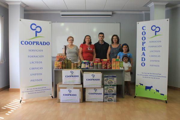 Cooprado entrega alimentos a Cáritas